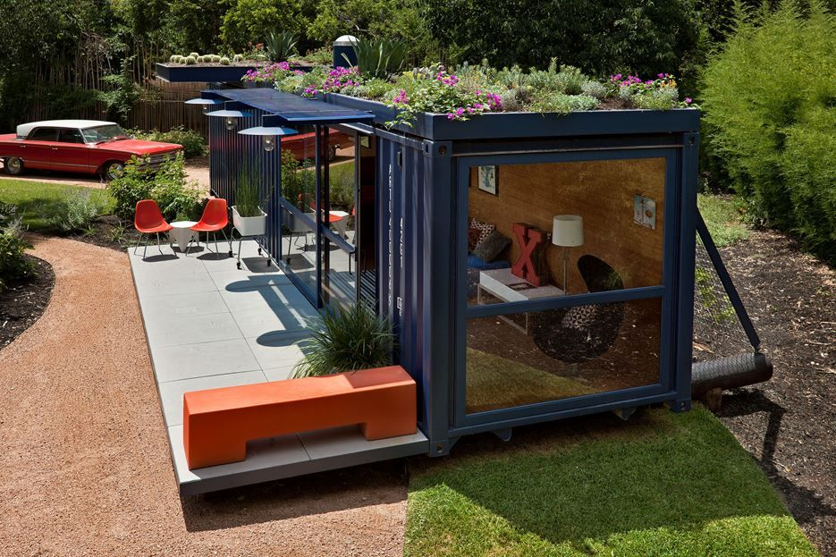 Container Guest House - Green Roof