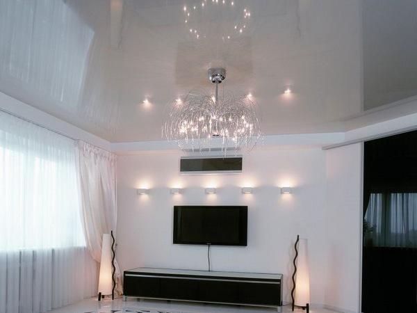 глянцевые потолки белые фото