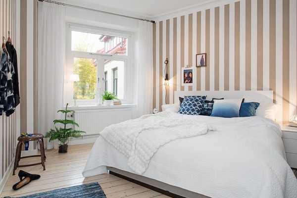 Обои в спальню со светлой мебелью — фото интерьеров | 400x600